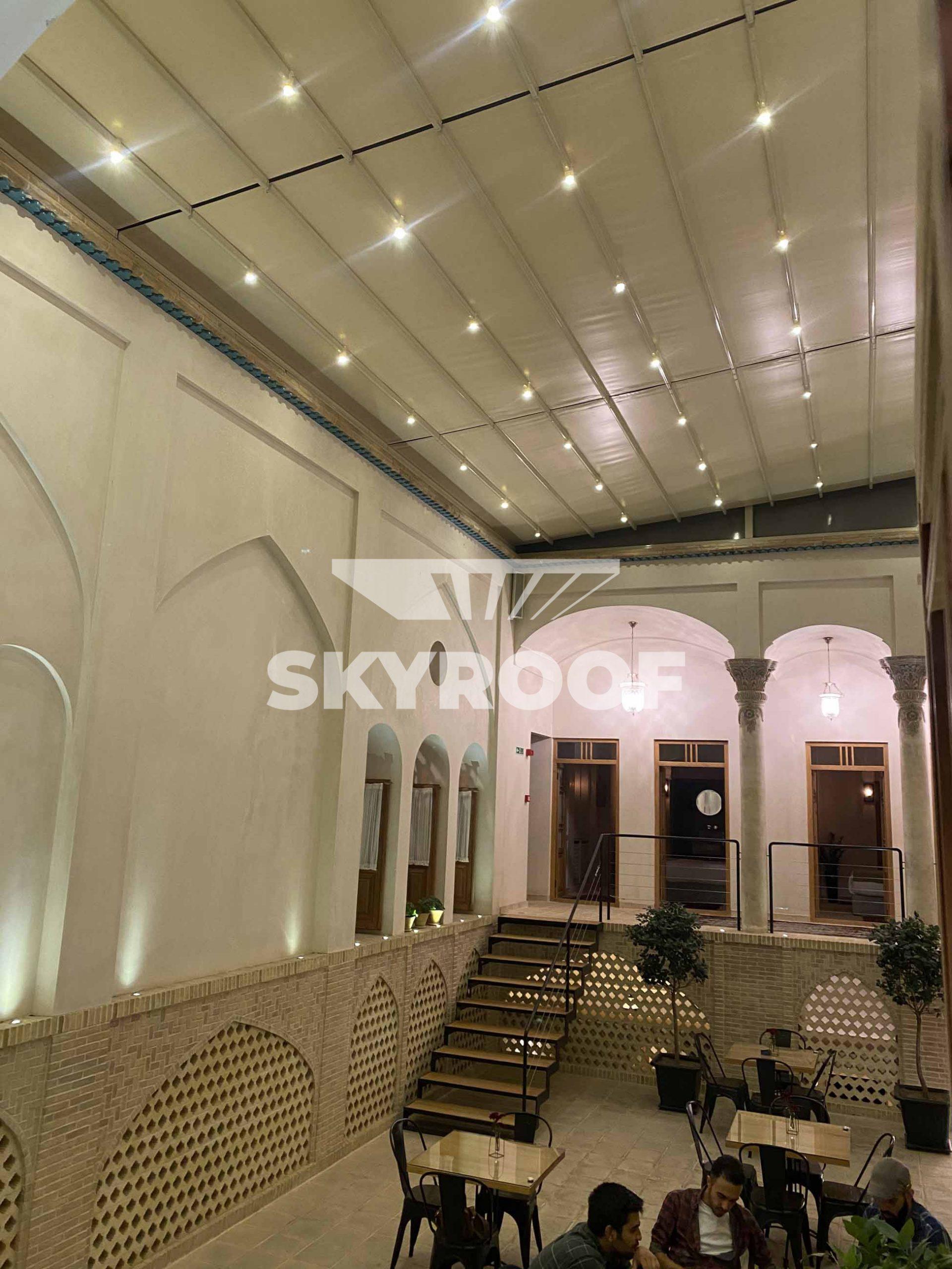 سقف-متحرک-هتل-زاویه-کاشان (1)